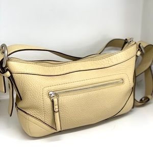COACH CARAMEL TAN PEBBLE LEATHER HOBO BAG
